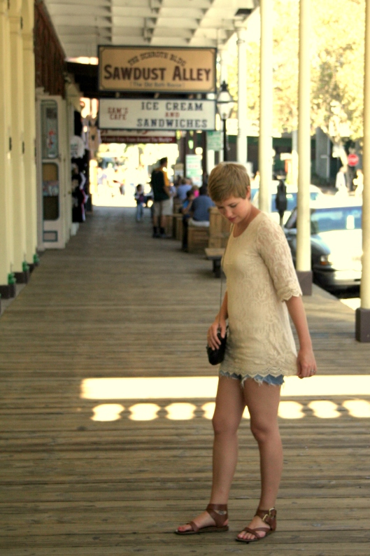 H&M Crochet Top in Old Sacramento1