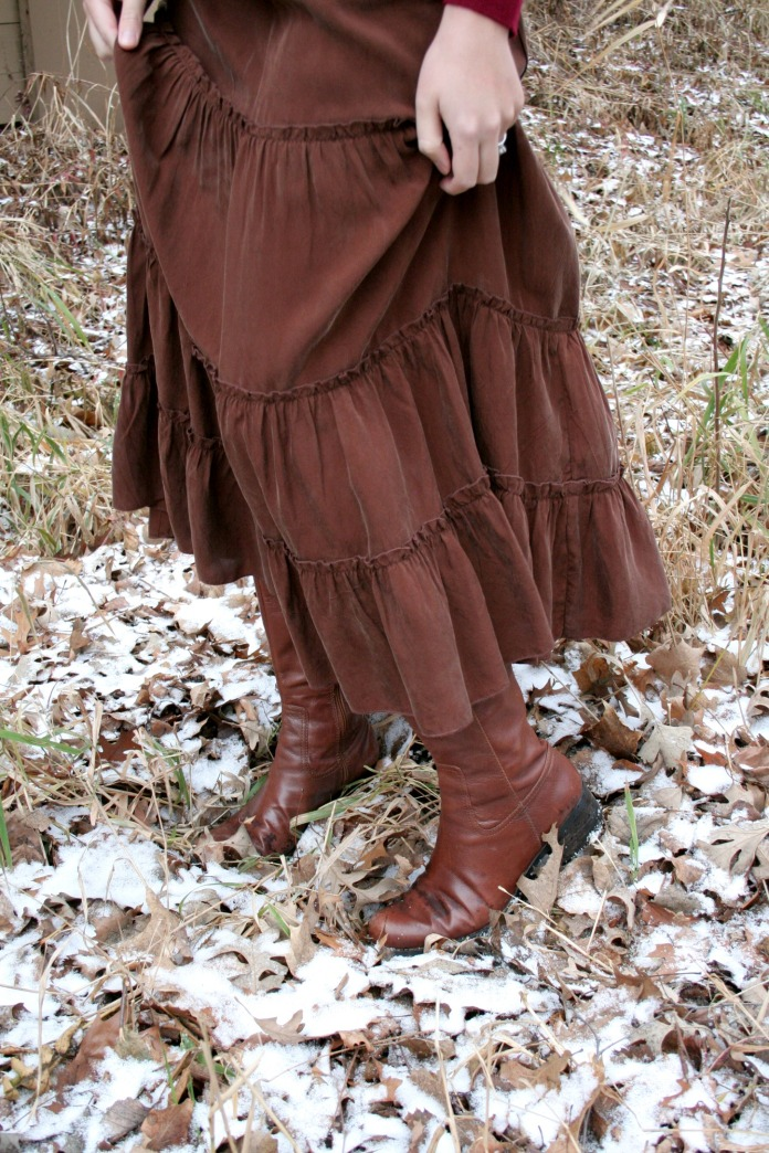 Minnesota Layers & Leaves Skirt w/ Nine West Boots